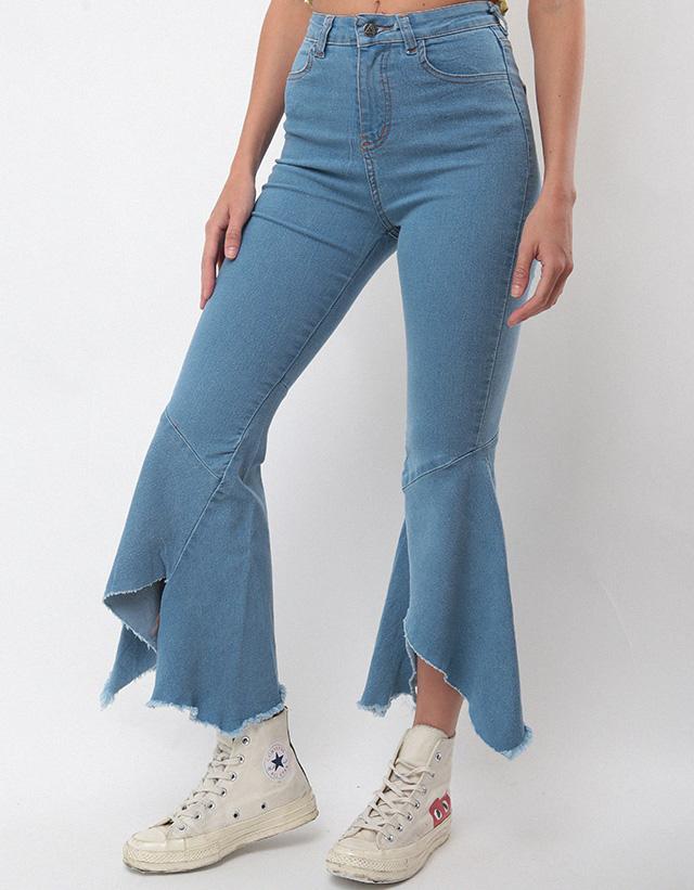 Jeans con godet